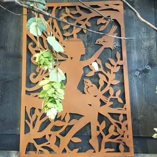 Elf Silhouettes in rust